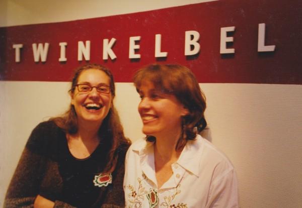 Angelique Brons-Bakker en Maritée Onderdenwijngaard, de designers.