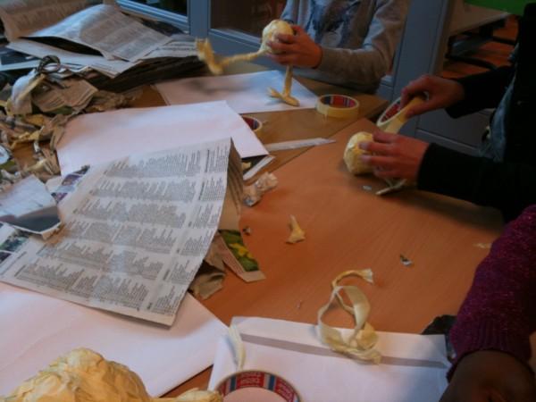 Gezellige werksfeer op tafel